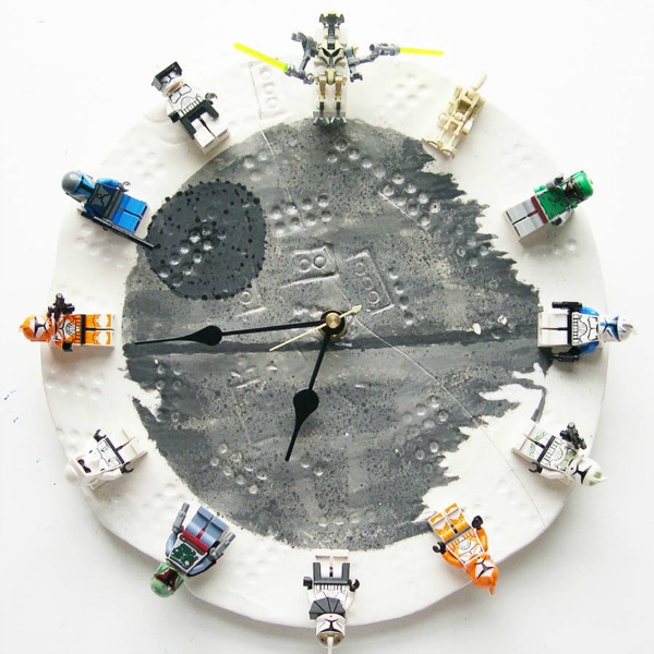 Interchangeable Star Wars Lego Clock by Instructables