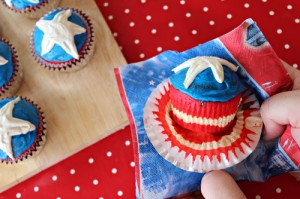 Marvel superhero cupcake idea: Captain America