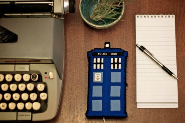 Doctor Who TARDIS Phone Charging Station