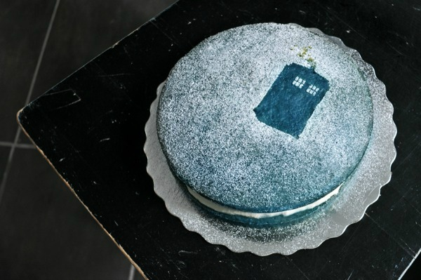 Simple Doctor Who Cake