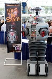 Comic-Con 2012: The Robot from Lost in Space