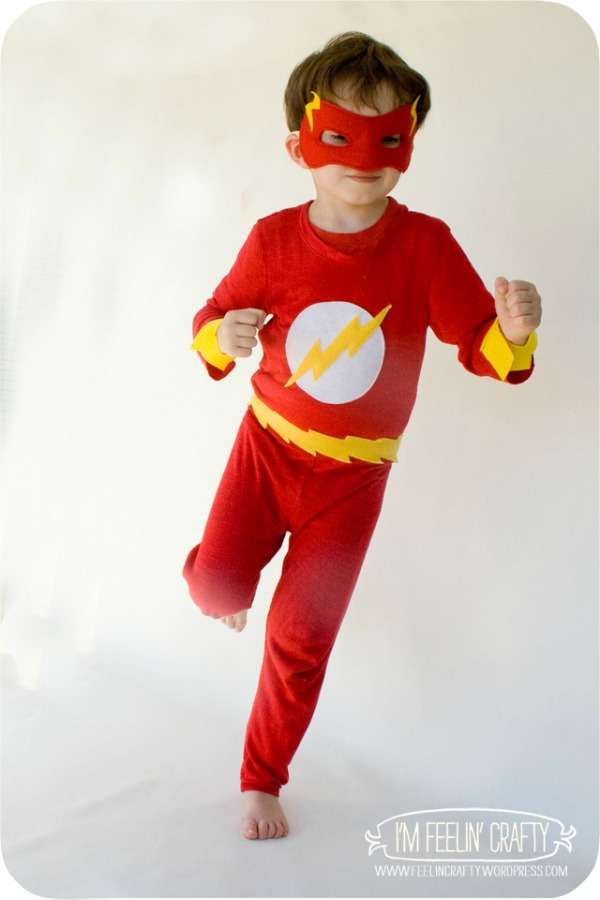 DIY Flash Costume by I'm Feelin' Crafty