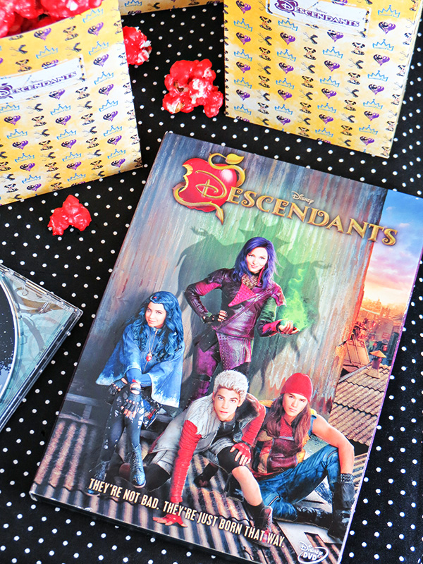 Free Printable Disney's Descendants Popcorn Boxes with Wicked Apple Popcorn