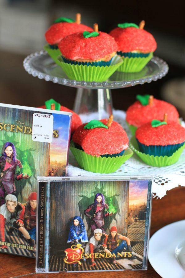 disney's descendants cupcakes - 600×900