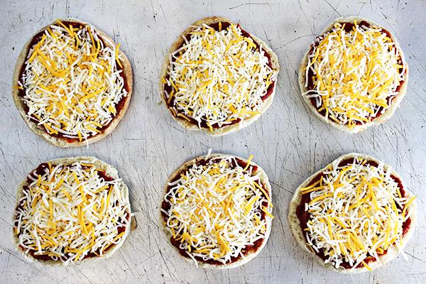 Easy English Muffin Pizzas Recipe