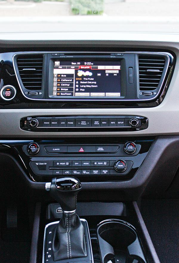 2015 Kia Sedona SX-L - interior console