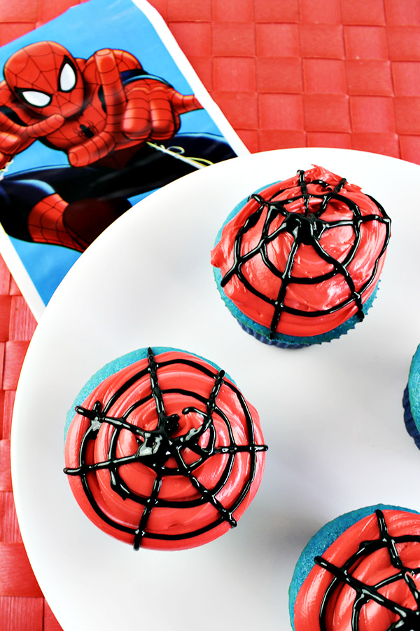 How to Make Easy Spiderman Cupcakes