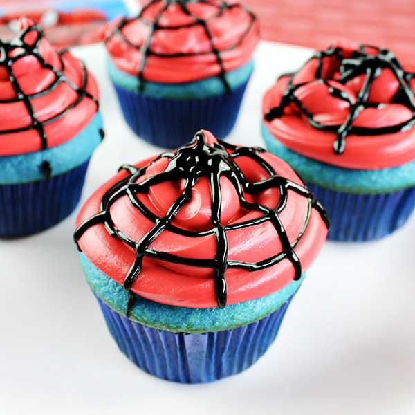Easy Spiderman Cupcakes