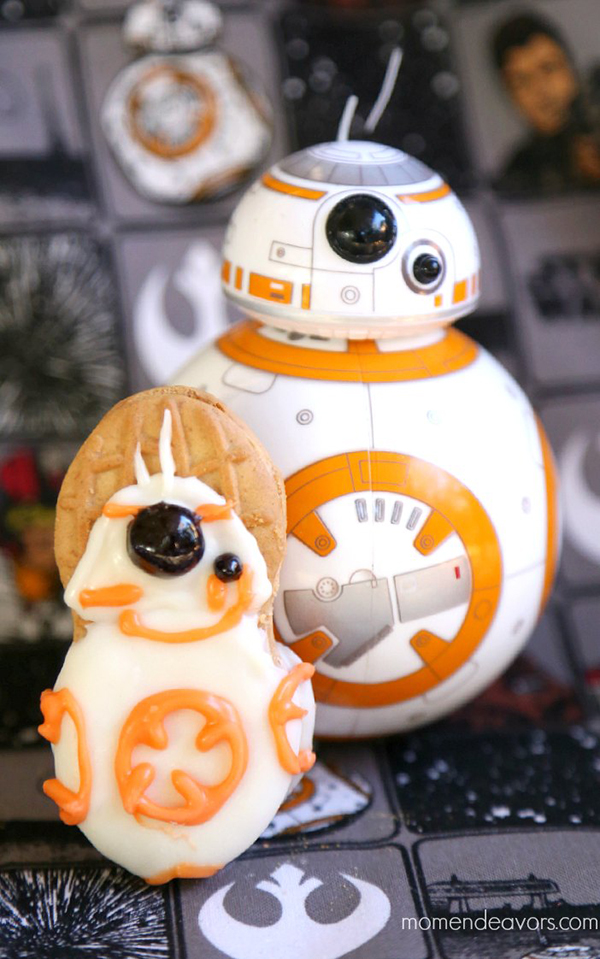 No-Bake Star Wars BB-8 Cookies by Momendeavors