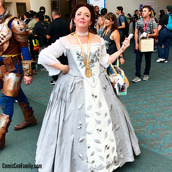 Claire Fraser Outlander Wedding Cosplay at San Diego Comic-Con 2018
